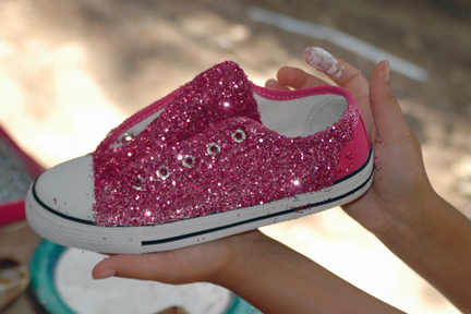 Favorite Thing GLITTER a DIY Make your own glitter shoes ...
